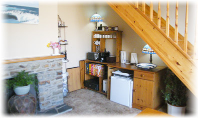 The  breakfast Kitchenette - with free broadband Internet access